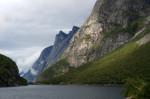 Skaly i fiord