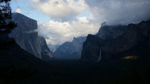 Widok na Dolinę Yosemite